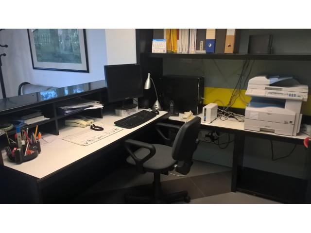 Ufficio o studio completo di arredamento giarre la perla for Arredamento completo ufficio