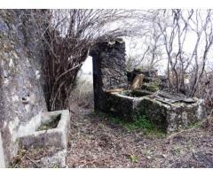 Rustico da restaurare con terreno di 6000 mq