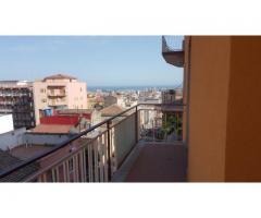 Via Piedimonte appartamento panoramico con posto auto e facciata rifatta