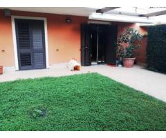 Appartavilla a piano Terra con giardino e grande garage