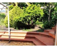 Villa con giardino con grande panorama