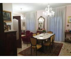 Pentavani a quarto piano con garage corso Italia/villa Belvedere