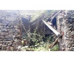 Casa in pietra panoramica  da restaurare con 4000 mq di frutteto