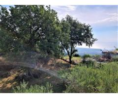 Bel Villino doppio piano con vista e terreno circostante di 1700 mq
