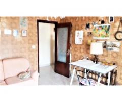 Appartamento di quattro vani con garage in piccolo condominio